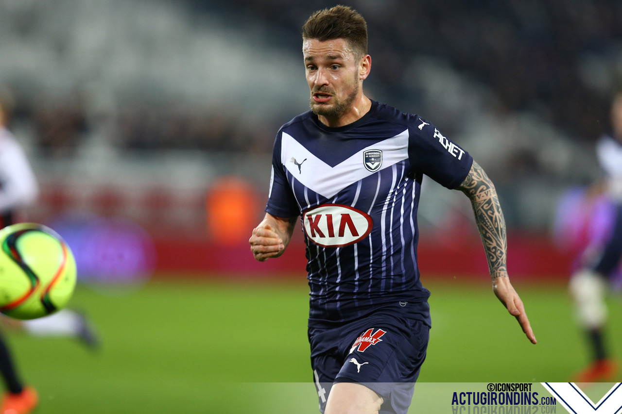 Mathieu Debuchy - 19.02.2016 - Girondins Bordeaux / OGC Nice - 27eme journee de Ligue 1 Photo : Manuel Blondeau / Icon Sport